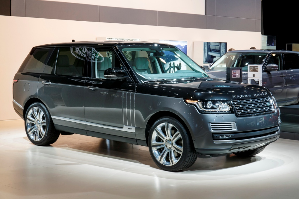 RANGE ROVER SVAutobiography TAKES LUXURY AND REFINEMENT TO NEW ...