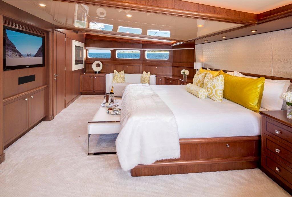 Motor yacht AT LAST - Master Cabin